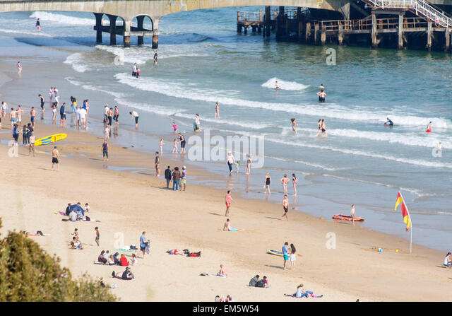 Bournemouth beach, Dorset, UK. 16th April, 2015. UK weather.  where temperature reached 22 degrees. Credit:  John - Stock Image