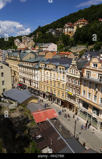 KARLOVY VARY, CZECH REPUBLIC - JULY 3: People walk on streets of spa town Karlovy Vary on July 3, 2016 in Karlovy - Stock-Bilder