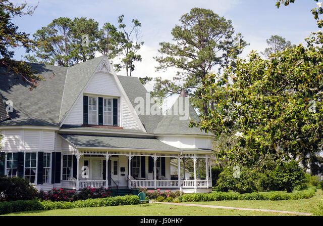 Monroeville Alabama Pineville Road historic homes Stallworth home Queen Anne style columns wrap around porch turret - Stock Image