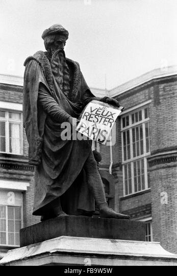 May 1968 Protest -  1968  -    -  May 1968 Protest -  Statue of GUTENBERG in front of the 'Imprimerie Nationale' - Stock Image