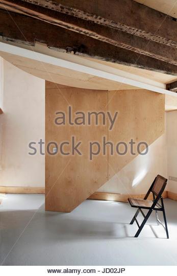 View of downstairs space. Studio Totnes, Totnes, United Kingdom. Architect: David Sheppard Architects, 2016. - Stock-Bilder
