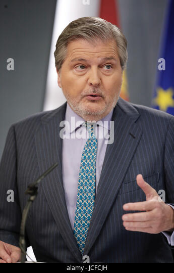Spanish Government's Spokesman, Inigo Mendez de Vigo, addresses a press conference after the Cabinet's meeting - Stock Image