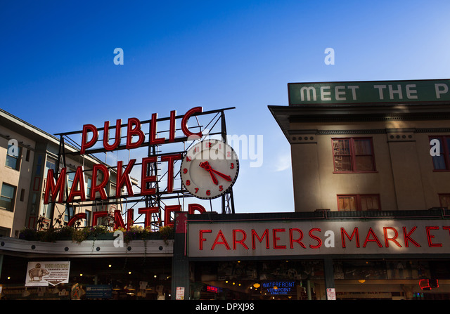 Seattle fish monger stock photos seattle fish monger for Fish market seattle
