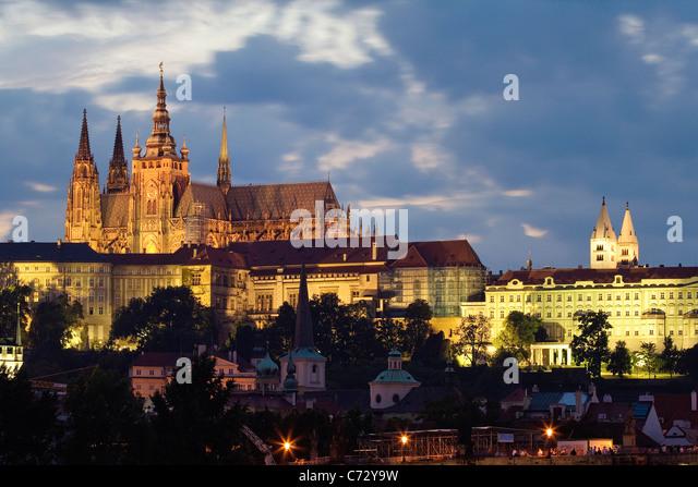 Evening mood at the Charles Bridge with Prague Castle, Hradcany, Prague, Czech Republic, Europe - Stock-Bilder