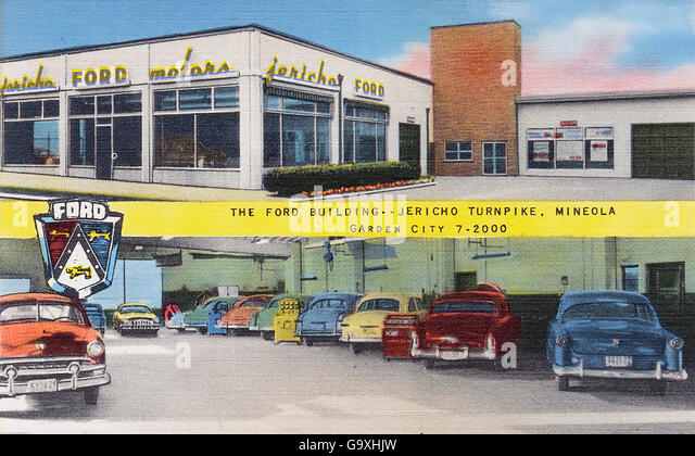 FORD DEALERSHIP on a postcard about  1950 - Stock Image