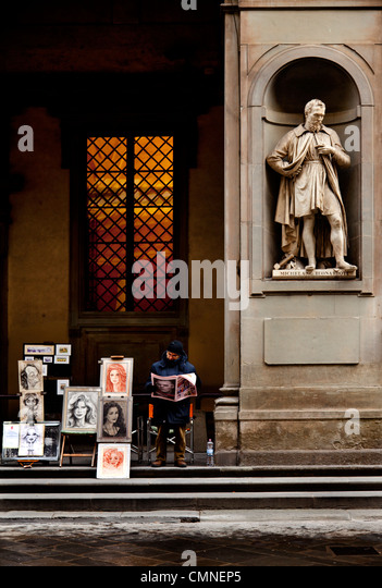 Portrait painter outside the Uffizi gallery - Stock Image