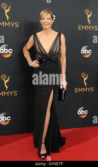 Los Angeles, CA, USA. 18th Sep, 2016. Allison Janney at arrivals for The 68th Annual Primetime Emmy Awards 2016 - Stock-Bilder