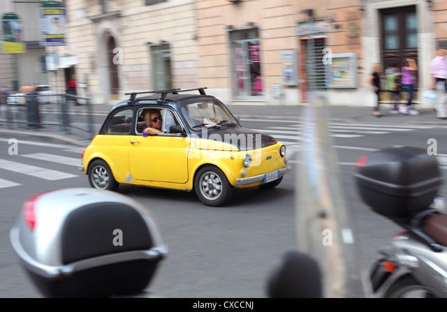 Italy, Rome, Rom, Roma, city, drive, driving, fiat 500, Via del Corso - Stock Image