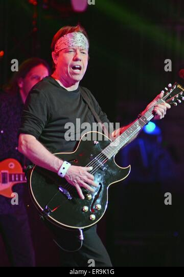 New York, NY, USA. 29th May, 2015. George Thorogood on stage for George Thorogood and The Destroyers/Brian Setzer's - Stock Image