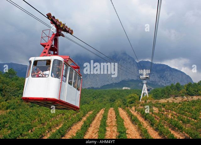 cable car above vineyards crimea mountain ajpetri - Stock Image