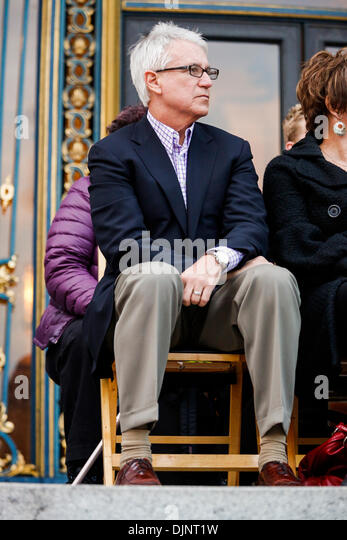 San Francisco, California, USA. 27th Nov, 2013. San Francisco District Attorney GEORGE GASCON listens during a candlelight - Stock Image