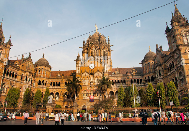 The Chhatrapati Shivaji Terminus (  Victoria Terminus ) Station Mumbai ( Bombay ) Victorian Gothic Revival architecture - Stock Image