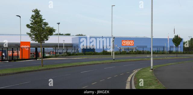 SWINDON, UK - MAY 29, 2017: New Swindon Depot for TNT, Milne Way, G Park, Swindon - Stock Image