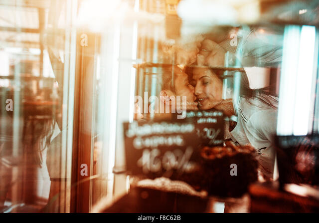 Couple have fun in the city - Stock Image