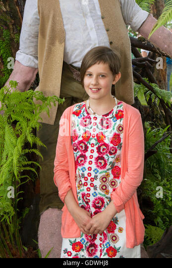 barnhill girls Big money for a little girl ruby barnhill, 11, could earn over $700k from her contract with steven spielberg's dreamworks because of bfg deal.