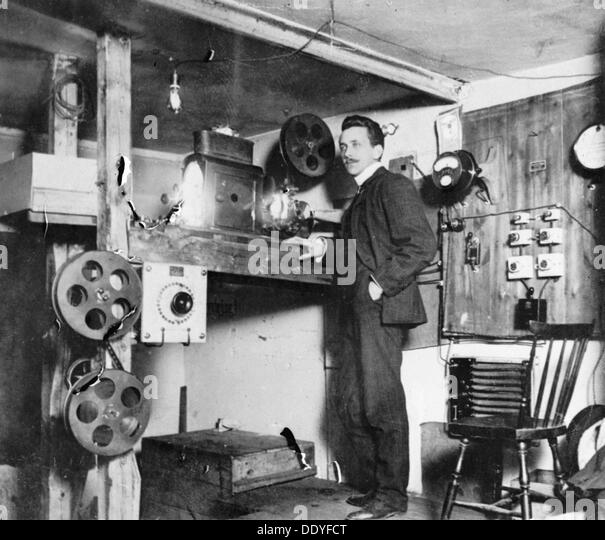 The projection room of the City movie theatre, Landskrona, Sweden, 1910. From the Landskrona Museum Collection. - Stock Image