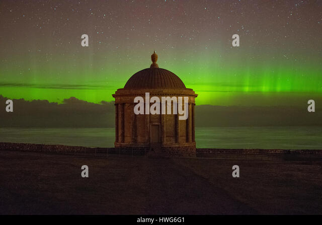 Mussenden Temple, Downhill Demense, Co Londonderry, UK. 22nd Mar, 2017. UK Weather. A stunning aurora made an appearance - Stock Image