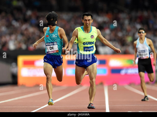 London, UK. 16th July, 2017. Dongdong Di, guide Deyi Mao in Men's 400M T11 (R1, H3/3) during World Para Athletics - Stock Image