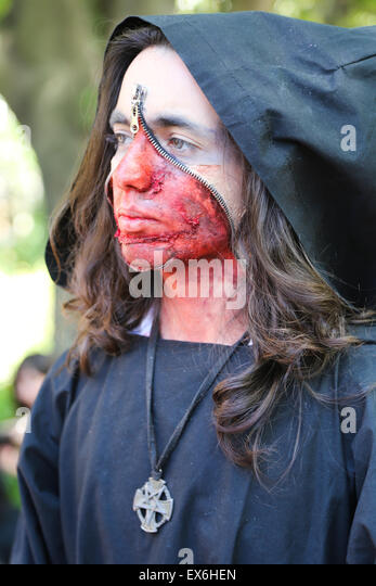 ISTANBUL, TURKEY - MAY 10, 2015: A girl participate and have fun during zombie walk Istanbul in Nisantasi Park - Stock Image