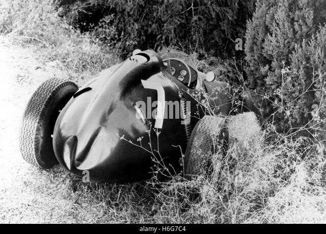 PORTUGUESE GP CRASHED BRM TYPE 25 1959 - Stock Image