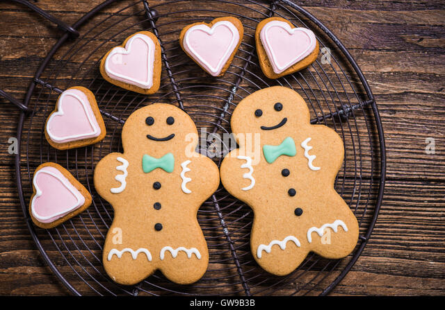 Homosexual gay couple made of Christmas cookies, festive love concept - Stock-Bilder