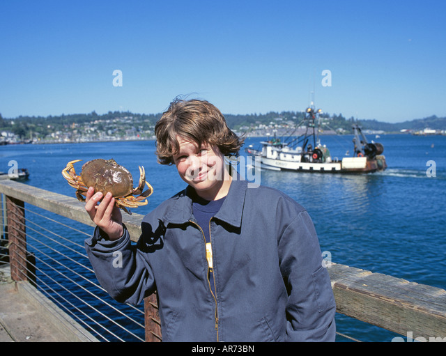 Crab fishing autos post for Charter fishing newport oregon