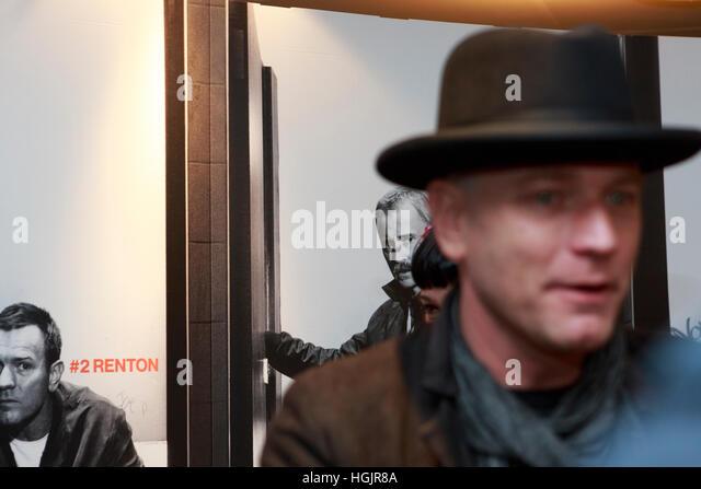 Edinburgh, UK. 22nd January, 2017. T2 Trainspotting premiere at Edinburgh Cineworld. Artist picture where the background - Stock Image