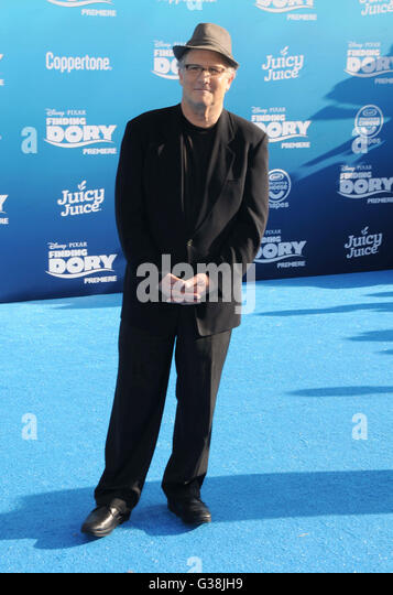 Hollywood, CA, USA. 8th June, 2016. 08 June 2016 - Hollywood. Albert Brooks. Arrivals for the World Premiere Of - Stock Image
