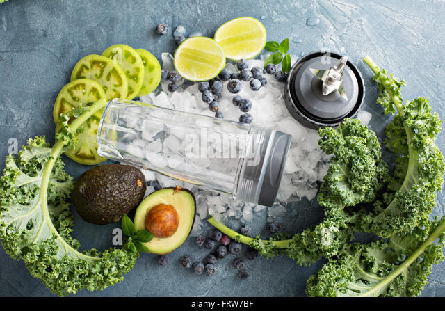 Making green smoothie - Stock Image
