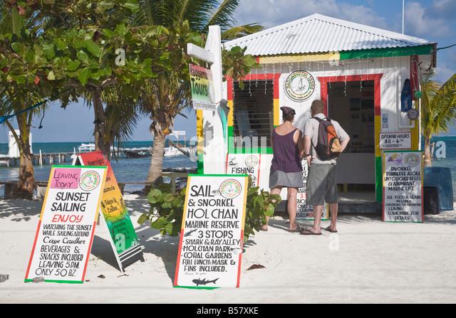 Raggamuffin Tours office on beach Caye Caulker Belize Central America - Stock-Bilder