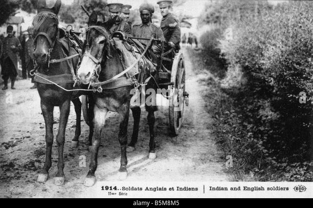2 G55 H1 1914 10 E Indians English on a cart WWI 1914 History World War I Auxiliary troops 1914 Soldats Anglais - Stock Image