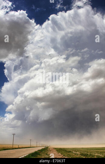 A massive supercell sucks up intense dust into the updraft leading to a violent dust storm, Sheridan Lake, Colorado, - Stock Image