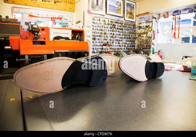 Colonial Hills Shoe Repair