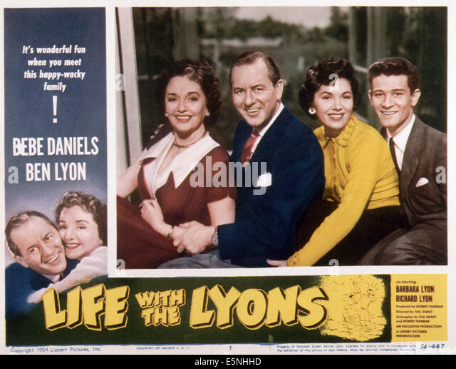 LIFE WITH THE LYONS, (aka FAMILY AFFAIR), from left: Ben Lyon, Bebe Daniels (twice), Ben Lyon, Barbara Lyon, Richard - Stock Image