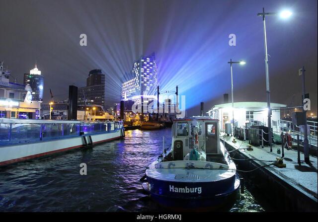Hamburg, Germany. 11th Jan, 2017. A light show at the Elbphilharmonie (Elbe Philharmonic Hall) to celebrate its - Stock Image