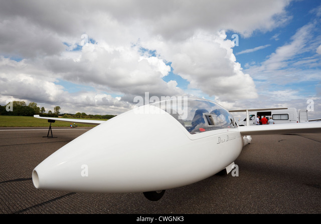 Schempp-Hirth Duo Discus glider awaiting launch on the runway. - Stock Image