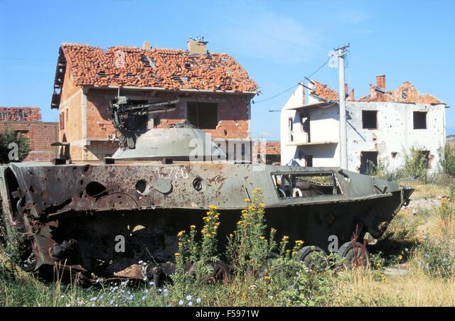 Water Tank Destruction : Kosovo war stock photos images alamy