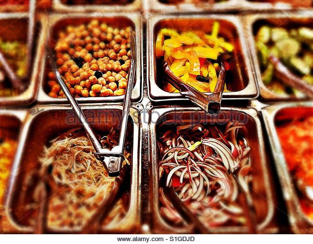 Salad bar selection. - Stock-Bilder