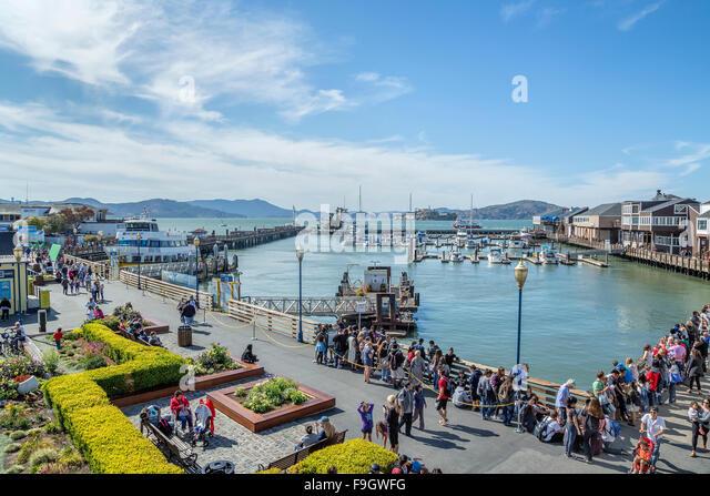 Many tourists visiting pier 39, San Francisco, California - Stock Image