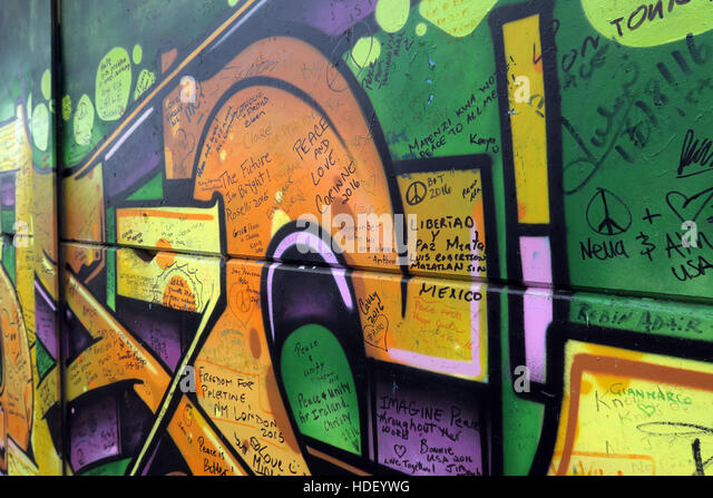 Messages of liberty - International Peace Wall,Cupar Way,West Belfast, Northern Ireland, UK - Stock Image