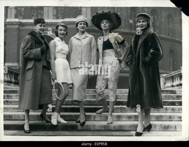 Nov. 11, 1956 - Fashion and beauty parade at Albert Hall. Five of the styles on show: A preview was held at the - Stock-Bilder