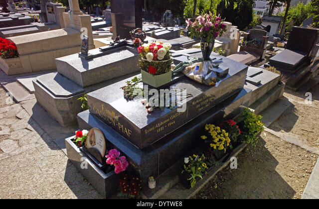 The grave of Edith Piaf - Stock Image