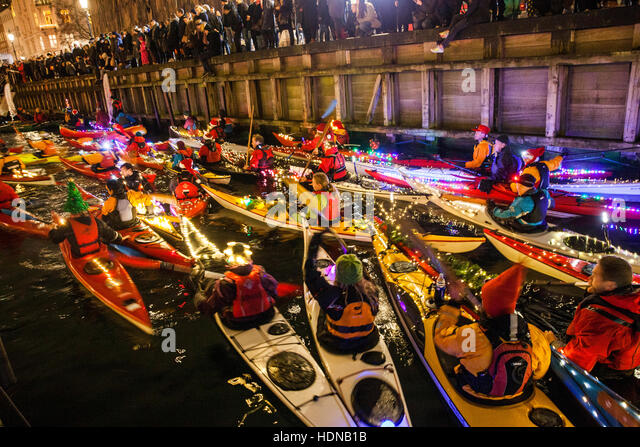 Copenhagen, Denmark. 13th Dec, 2016. Hundreds of paddlers are kayaking and celebrating at the annual winter event - Stock Image