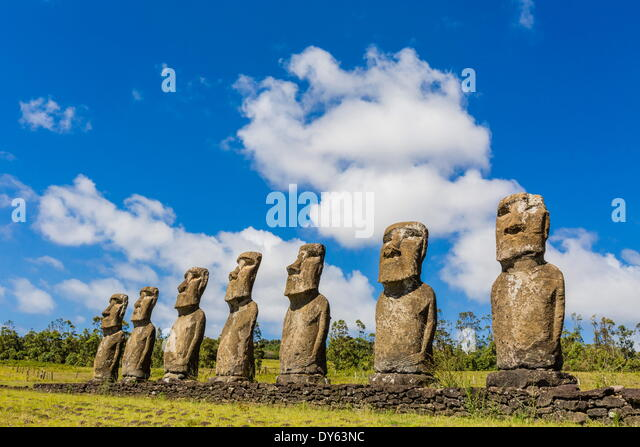 Seven Moai at Ahu Akivi, the first restored altar on Easter Island (Isla de Pascua) (Rapa Nui), UNESCO Site, Chile - Stock Image