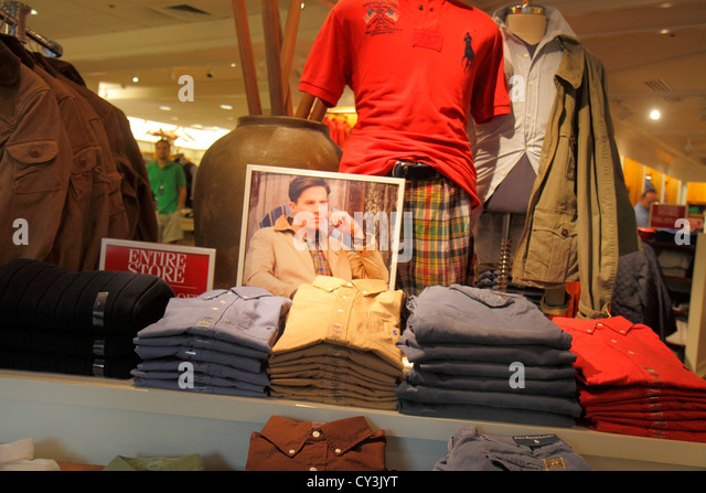 Maine Freeport Main Street Route 1 shopping Polo Ralph Lauren clothing fashion outlet retail display for sale - Stock Image