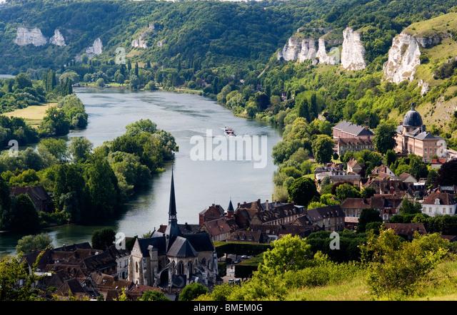 seine-river-les-andelys-frnace-bmem0g.jp