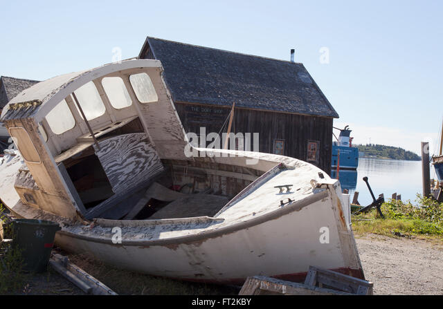 grounded boat stock photos  u0026 grounded boat stock images