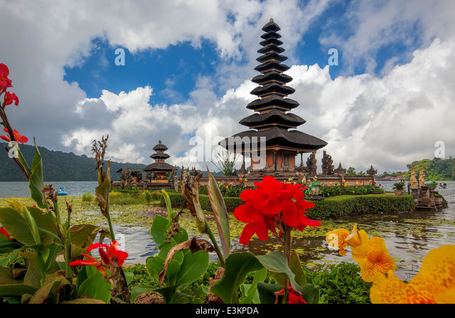 Ulun Danu Temple - Stock Image
