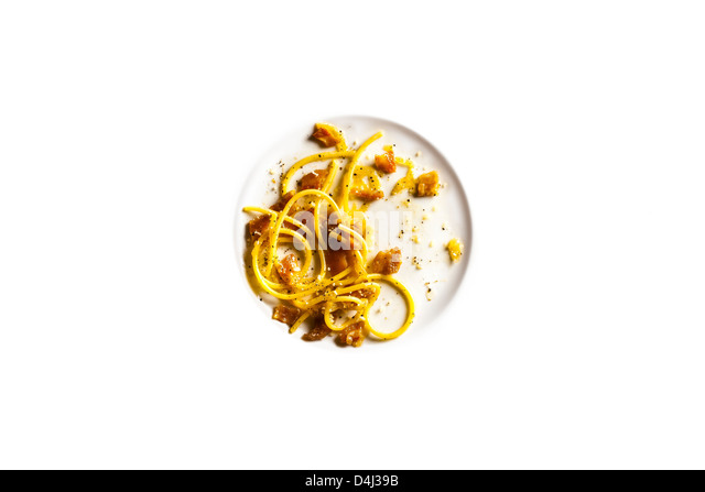 Bucatini with Guanciale, Caramelized Onions and Pepper. - Stock Image