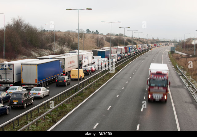 Congested M20 Motorway, Kent, UK - Stock Image